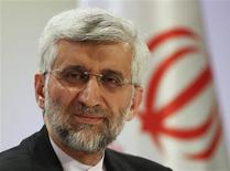 El negociador jefe de temas nucleares de Irán, Saeed Jalili, durante una conferencia de prensa en Almaty, Kazajistán, feb 27 2013. Irán hizo una evaluación positiva de los dos días de negociaciones nucleares con las seis potencias mundiales que terminaron el miércoles, pero las autoridades de Occidente dijeron que Teherán debe empezar a dar pasos concretos para aminorar las crecientes preocupaciones por su actividad atómica. REUTERS/Shamil Zhumatov