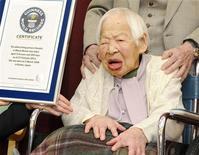 Misao Ookawa, une Japonaise de 114 ans a été consacrée doyenne de l'humanité mercredi par l'institut Guinness World Records. /Photo prise le 27 février 2013/REUTERS/Kyodo