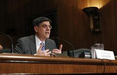 Jack Lew, U.S. President Barack Obama's nominee to lead the Treasury Department, testifies before a Senate Finance Committee confirmation hearing on Capitol Hill in Washington February 13, 2013. REUTERS/Kevin Lamarque (UNITED STATES - Tags: POLITICS BUSINESS) - RTR3DQLK