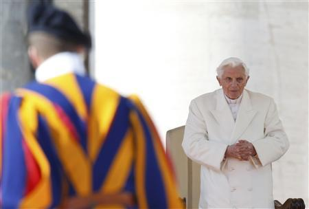Pope Benedict pledges obedience to successor