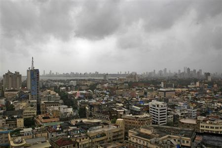 Monsoon clouds loom over Mumbai's skyline, July 31, 2012. REUTERS/Danish Siddiqui/Files