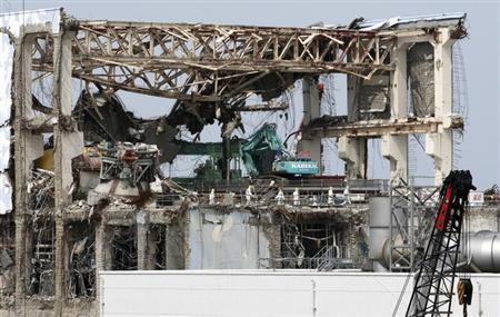 2月28日、WHOは、2年前の福島第1原子力発電所の事故で放出された放射能物質による汚染被害が最も大きかった地域では住民が特定のがんを発症する生涯リスクが高いとの分析を明らかにした。写真は福島第一原子力発電所。昨年5月の代表撮影(2013年 ロイター)