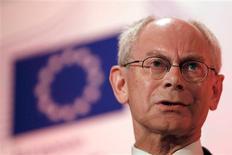 El presidente del Consejo Europeo, Herman Van Rompuy, advirtió el jueves a Reino Unido de que abandonar la Unión Europea no sale gratis, y dijo que los líderes del grupo no quieren cambiar ningún tratado. En la imagen, el presidente del Consejo Europeo, Herman Van Rompuy, en una conferencia en Londres, el 28 de febrero de 2013. REUTERS/Stefan Wermuth