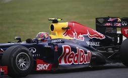 El piloto de Red Bull Mark Webber fue el más rápido de las pruebas de Barcelona el jueves y el australiano se convirtió en el noveno piloto en marcar el mejor tiempo en los mismos días de entrenamientos de este año. En la imagen de archivo, Webber, en su Red Bull el pasado 25 de noviembre. REUTERS/Nacho Doce