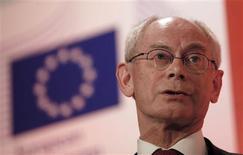 El presidente del consejo europeo, Herman Van Rompuy, en una conferencia de prensa en Londres, feb 28 2013. El presidente del Consejo Europeo, Herman Van Rompuy, advirtió el jueves a Reino Unido que abandonar la Unión Europea no sale gratis, y dijo que los líderes del grupo no quieren cambiar ningún tratado. REUTERS/Stefan Wermuth