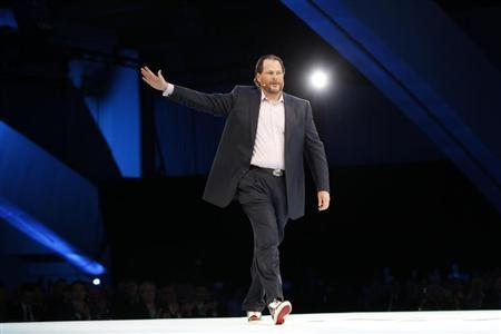 Salesforce CEO Marc Benioff gestures as he speaks during the Dreamforce event in San Francisco, California September 19, 2012. REUTERS/Robert Galbraith