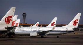 Air China a annoncé l'acquisition de 31 avions Boeing pour un coût total d'environ 4,8 milliards de dollars, afin d'étoffer sa flotte. /Photo d'archives/REUTERS/David Gray