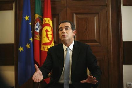 Portugal's Socialist Party secretary-general Antonio Jose Seguro speaks during an interview with Reuters in Lisbon May 24, 2012. REUTERS/Rafael Marchante (