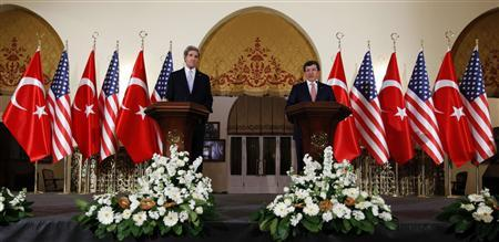 U.S. Secretary of State John Kerry (L) and Turkey's Foreign Minister Ahmet Davutoglu attend a joint news conference in Ankara March 1, 2013. REUTERS/Umit Bektas
