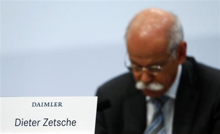 Daimler AG Chief Executive Dieter Zetsche pauses during the company's annual news conference in Stuttgart February 7, 2013. REUTERS/Michael Dalder/Files