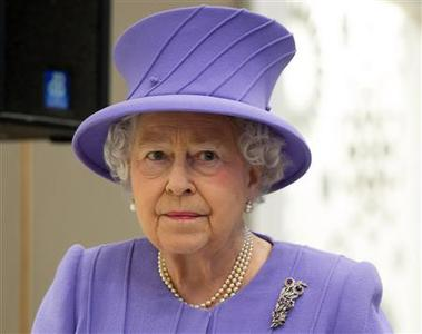 Britain's Queen Elizabeth tours the Royal London Hospital in east London in a February 27, 2013 file photo. Britain's Queen Elizabeth has been admitted to London's King Edward VII hospital with symptoms of gastroenteritis, a Buckingham Palace spokesman said on Sunday. REUTERS/Ian Gavan/Pool