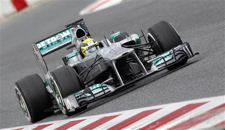 Mercedes GP's Formula One driver Nico Rosberg of Germany drives during a training session at Circuit de Catalunya racetrack in Montmelo, near Barcelona, March 1, 2013. REUTERS/Albert Gea
