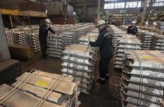 United Company Rusal, le premier producteur mondial d'aluminium, va diminuer sa production pendant au moins les trois prochaines années pour réduire l'offre excédentaire sur le marché. /Photo d'archives/REUTERS/Ilya Naymushin