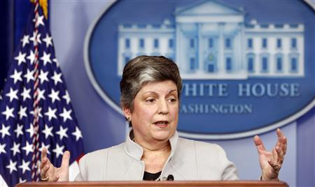 Homeland Security Secretary Janet Napolitano speaks about the effects of the sequester from the White House in Washington February 25, 2013. REUTERS/Kevin Lamarque (UNITED STATES - Tags: POLITICS BUSINESS) - RTR3EADO