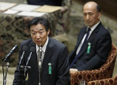 Kikuo Iwata (L) and Hiroshi Nakaso, the Japan government's nominees to become Bank of Japan (BOJ) deputy governors, attend a hearings session at the lower house of the parliament in Tokyo March 5, 2013. REUTERS/Issei Kato