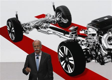 Daimler AG Chief Executive Dieter Zetsche gestures during the presentation of the new cars during the first media day of the 83rd Geneva Car Show at the Palexpo Arena in Geneva March 5, 2013. EUTERS/Denis Balibouse (SWITZERLAND - Tags: TRANSPORT BUSINESS) - RTR3EL5E
