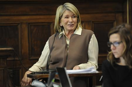 Martha Stewart reacts as she testifies in Manhattan Supreme Court March 5, 2013 in New York. REUTERS/David Handschuh/New York Daily News/Pool