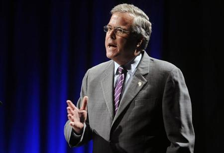 Former Florida Governor Jeb Bush addresses the National Association of Latino Elected and Appointed Officials Annual Conference in Lake Buena Vista, Florida, June 21, 2012. REUTERS/David Manning