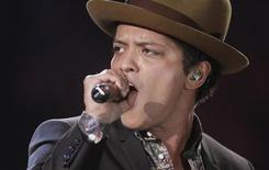O cantor Bruno Mars lidera parada Billboard 200S. Foto de 07/11/2012. REUTERS/Carlo Allegri