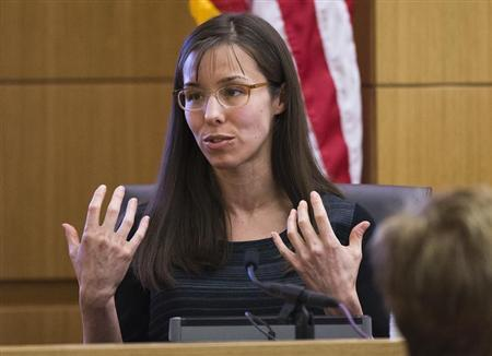 Jodi Arias gestures toward the jury in Maricopa County Superior Court in Phoenix, March 5, 2013. REUTERS/Tom Tingle/The Arizona Republic/Pool
