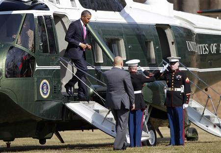 U.S. President Barack Obama arrives at the Walter Reed hospital in Bethesda, Maryland, March 5, 2013, to meet with wounded soldiers. REUTERS/Jason Reed
