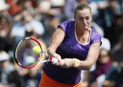 Sharapova, Radwanska advance at Indian Wells