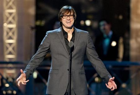 Comedian Jim Carrey speaks before presenting an award during the second annual 2012 Comedy Awards in New York City April 28, 2012. REUTERS/Stephen Chernin