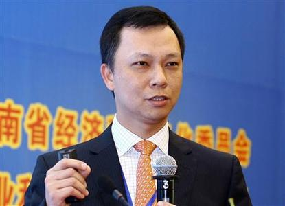 Jonathan Lu, then Taobao Chief Executive, speaks at China's Mobile E-Commerce & Info-Network Economy Promotion Conference in Changsha, Hunan province, March 30, 2010. REUTERS/Stringer