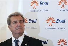 Глава Enel Фульвио Конти на открытии флагманского магазина Enel в Милане 10 мая 2011 года. Подконтрольная итальянской Enel российская генерирующая компания ОГК-5 увеличила чистую прибыль на 12 процентов до 5,55 миллиарда рублей в прошлом году, сообщила она. REUTERS/Alessandro Garofalo