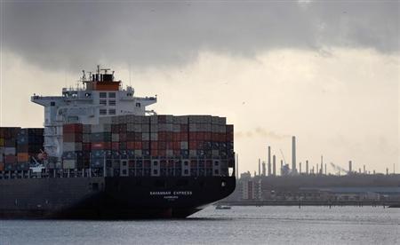 A freight ship leaves Southampton docks in southern England, January 22, 2009. REUTERS/Kieran Doherty