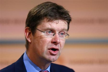 Britain's Financial Secretary to the Treasury Greg Clark speaks at a Thomson Reuters Newsmaker event, in the Canary Wharf business district of east London October 16, 2012. REUTERS/Andrew Winning
