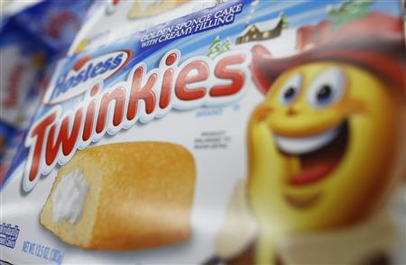 A box of Hostess Brands ''Twinkies'' is on display at a Jewel-Osco grocery store in Chicago December 11, 2012. REUTERS/Jim Young