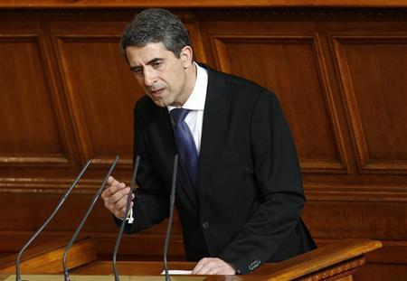 Bulgarian President Rosen Plevneliev delivers his speech at the parliament in Sofia February 28, 2013. REUTERS/Stoyan Nenov