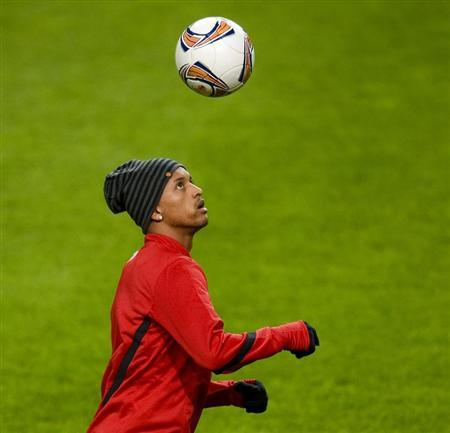 Manchester United's Nani takes part in a training session at the Amsterdam Arena stadium in Amsterdam February 15, 2012. REUTERS/Robin van Lonkhuijsen/United Photos/Files