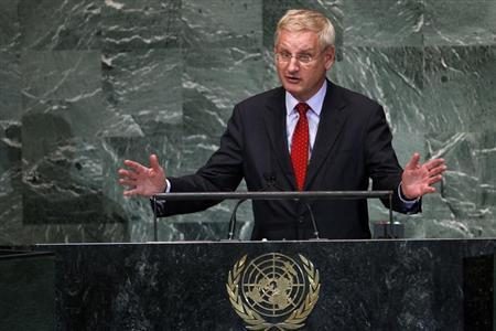 Swedish Foreign Minister Carl Bildt addresses the 67th session of the United Nations General Assembly at the U.N. headquarters in New York, September 28, 2012. REUTERS/Keith Bedford