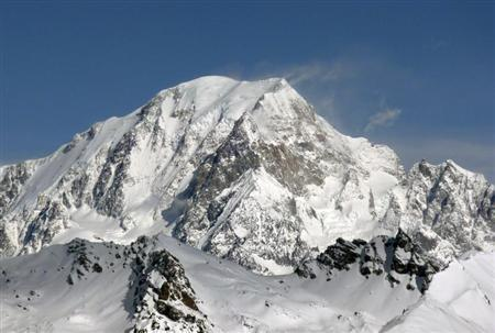 A general view shows the Mont-Blanc from Peisey Vallandry skiing resort in the French Alps March 8, 2010. REUTERS/Charles Platiau