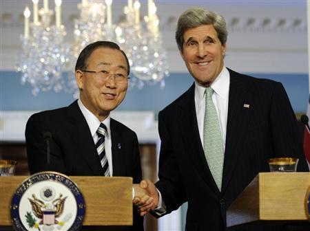U.S. Secretary of State John Kerry (R) and UN Secretary General Ban Ki-moon shake hands after making remarks to the media before their bilateral meeting at the State Department in Washington February 14, 2013. REUTERS/Mike Theiler
