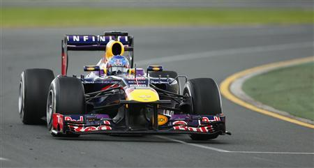 Red Bull Formula One driver Sebastian Vettel of Germany drives during the Australian F1 Grand Prix at the Albert Park circuit in Melbourne March 17, 2013. REUTERS/Mark Horsburgh