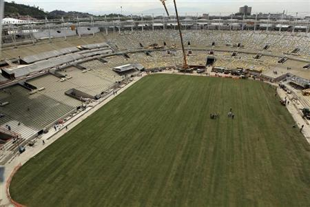 An aerial view shows newly planted grass at the Maracana Stadium, which is undergoing renovation for the 2014 World Cup, in Rio de Janeiro March 13, 2013. REUTERS/Erica Ramalho/Government of Rio de Janeiro/Handout