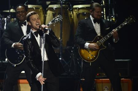 U.S. singer Justin Timberlake performs during the BRIT Awards, celebrating British pop music, at the O2 Arena in London February 20, 2013. REUTERS/Dylan Martinez