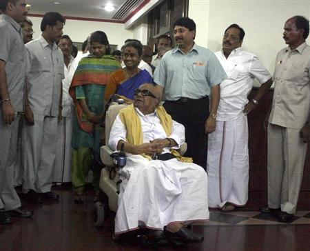 M. Karunanidhi (C) in New Delhi May 19, 2009. REUTERS/Stringer/Files