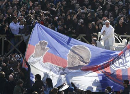 Pope Francis arrives in Saint Peter's Square for his inaugural mass at the Vatican, March 19, 2013. REUTERS/Paul Hanna