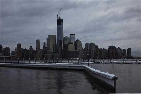 The skyline of New York's Lower Manhattan and One World Trade Center after the passing of a winter storm in Newport in New Jersey, February 9, 2013. REUTERS/Eduardo Munoz
