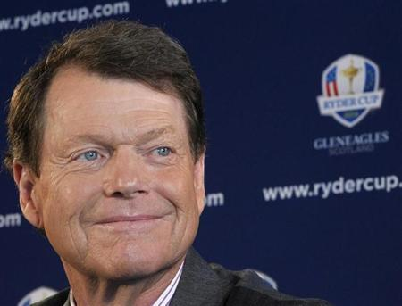 Golfer Tom Watson speaks to the press after being introduced as Ryder Cup captain in New York, December 13, 2012. REUTERS/Brendan McDermid