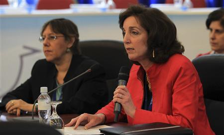 U.S. Assistant Secretary for Western Hemisphere Affairs Roberta S. Jacobson (R) attends the 39th Central American Integration System summit (SICA) in Tegucigalpa June 29, 2012. REUTERS/Presidencia de la Republica de Honduras/Handout