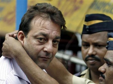 Bollywood star Sanjay Dutt is seen in Mumbai July 16, 2007. REUTERS/Punit Paranjpe/Files