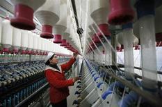 La croissance du secteur manufacturier s'est accélérée en mars en Chine, suivant l'indice PMI HSBC des directeurs d'achats dont la première estimation a été publiée jeudi. /Photo d'archives/REUTERS