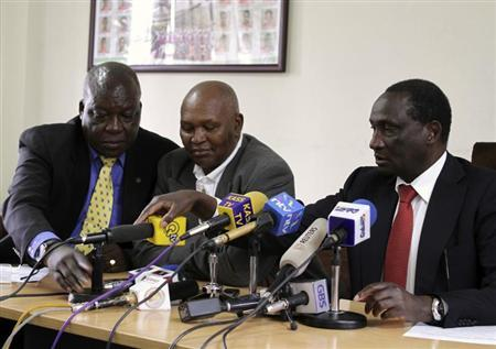 From L-R: David Okeyo, Athletics Kenya Secretary General, Kipchoge Keino, the chairman of the Kenyan Olympic Committee and Athletics Kenya Chairman Isaiah Kiplagat prepares to address a news conference in Kenya's capital Nairobi May 23, 2012. REUTERS/Noor Khamis