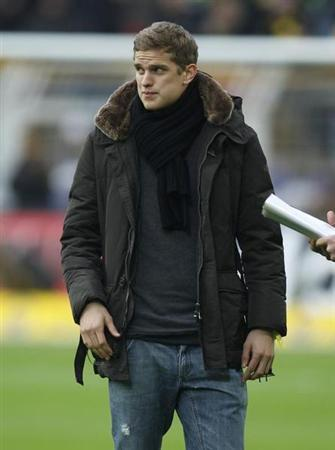 Borussia Dortmund's Sven Bender is pictured before the German first division Bundesliga soccer match against Schalke 04 in Dortmund November 26, 2011. REUTERS/Ina Fassbender