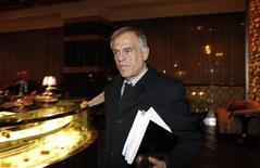 Le ministre chypriote des Finances Michael Sarris. Les autorités chypriotes envisagent de taxer à hauteur de 25% les comptes en banque présentant un solde supérieur à 100.000 euros détenus à la Bank of Cyprus, le principal créancier du pays. /Photo prise le 21 mars 2013/REUTERS/Maxim Shemetov